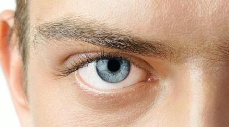 Как избавиться от ощущения почесывания правого глаза