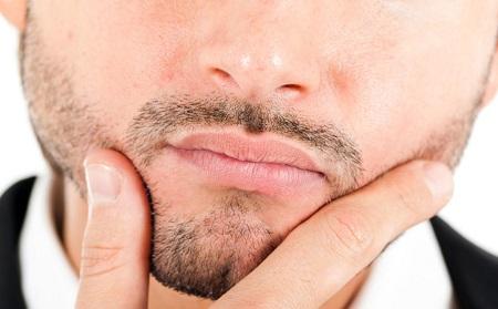 К чему чешутся губы по дням недели
