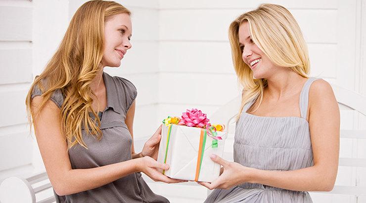 Оригинальные подарки подруге на 8 марта