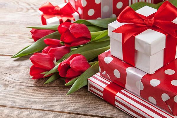 Подарки для уюта дома одногруппницам на 8 марта