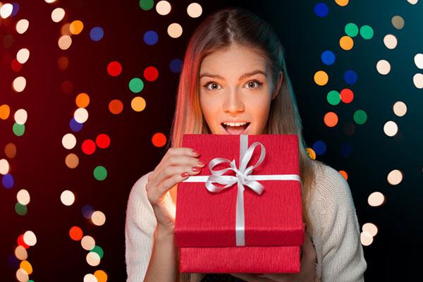 Подарки для дома женщине на Новый год