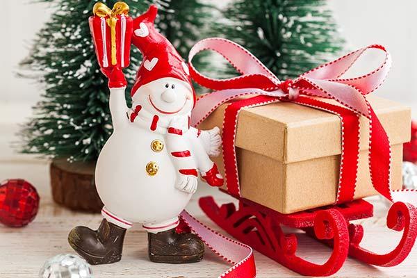 Бюджетные подарки воспитателю на Новый год