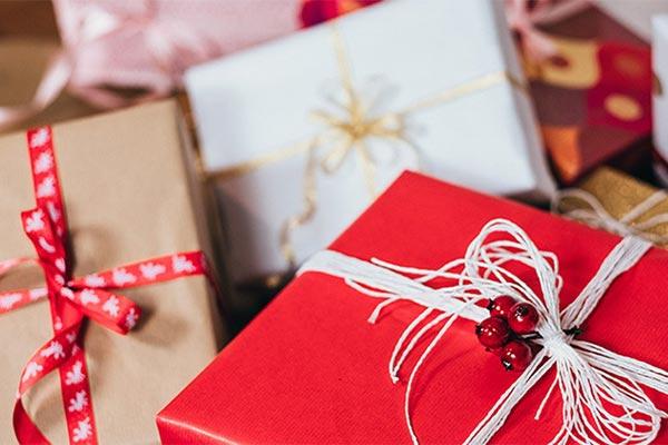 Подарки, которые можно заказать в интернет-магазине