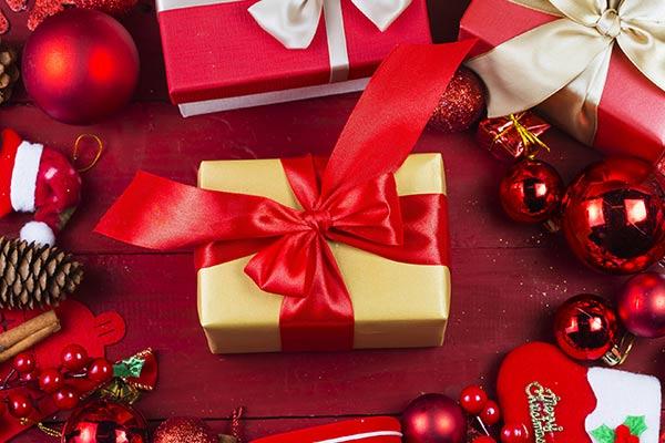 Подарки, пропитанные духом праздника на Новый год