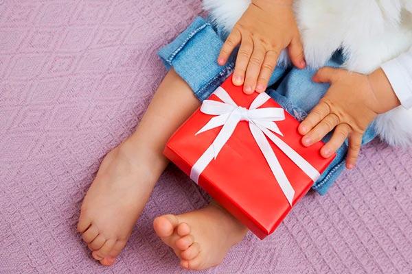 Подарок ребенку от 1 года до 4 лет на Новый год