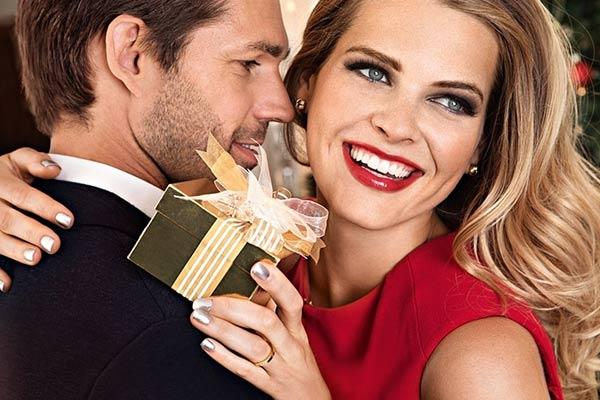 Подарок жене на Новый год связанный с увлечением и хобби