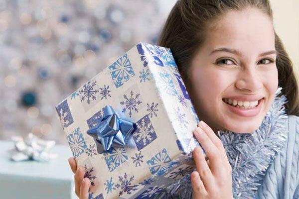 Полезные подарки любимой на Новый год