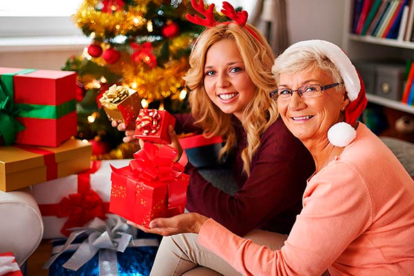 Полезные подарки маме на Новый год