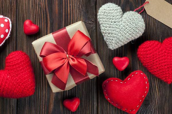 Дорогие подарки другу на 14 февраля