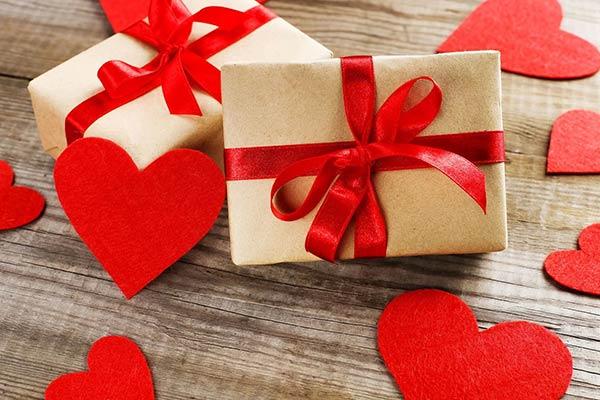 Интересные идеи подарка для девочки на 14 февраля