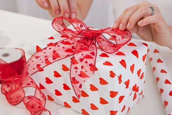 Недорогие подарки мужу на 14 февраля