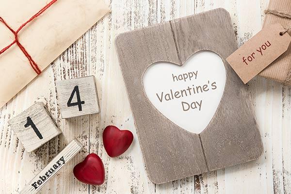 Подарок на 14 февраля для деловой девушки