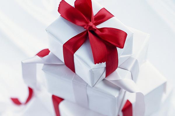 Полезные подарки девочке на 14 февраля