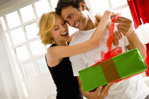 Практичные варианты подарка мужу на 14 февраля