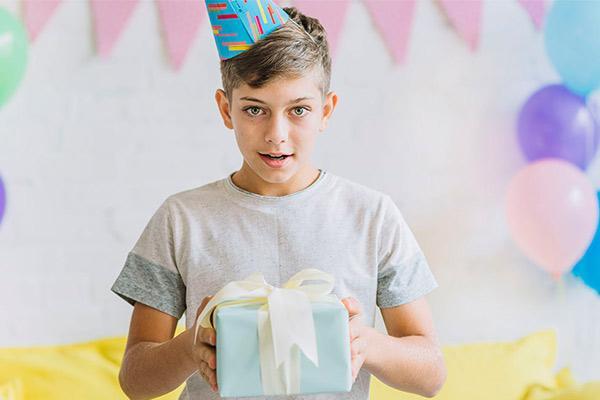 Подарки, поддерживающие увлечения подростка