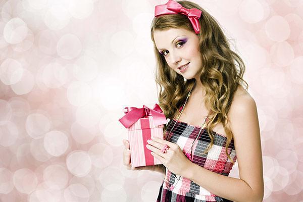 Подарок девочке 13, 14, 15, 16 лет на 8 марта