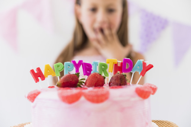 Сладкий подарок девочке на день рождения